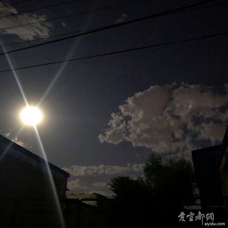 保定的夜空