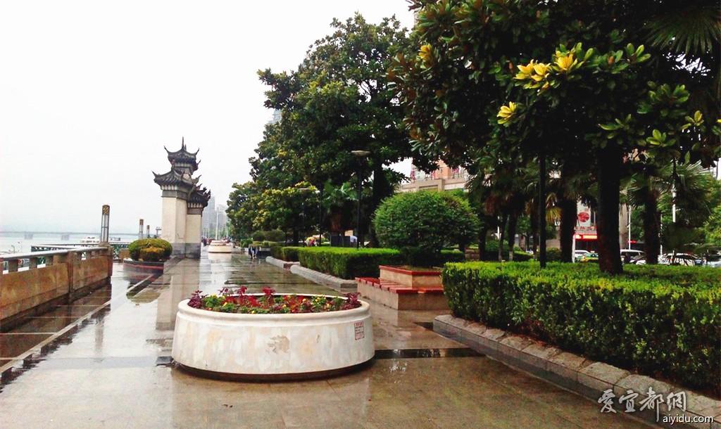 襄阳江边公园 (2).jpg