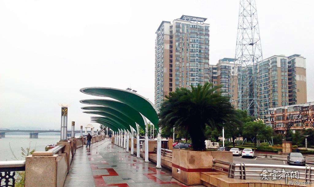 襄阳江边公园 (13).jpg