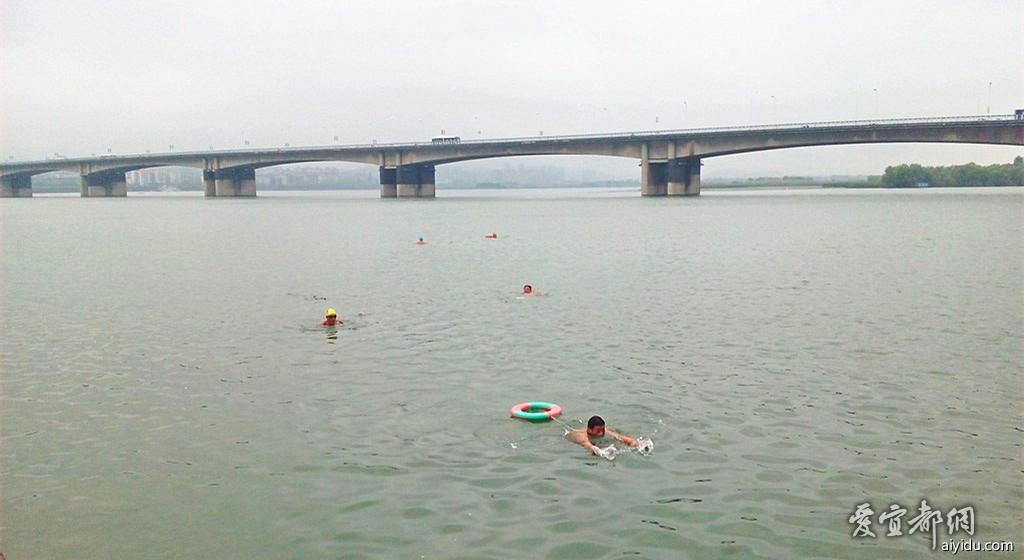 襄阳江边公园 (16).jpg