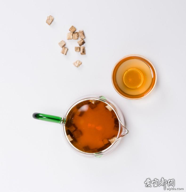 冲泡后的葛根茶