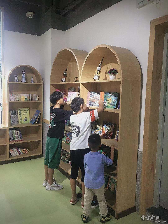 我愿和哥哥们一起读书