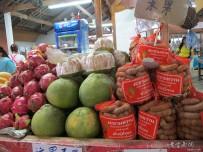 泰国旅游区的水果摊