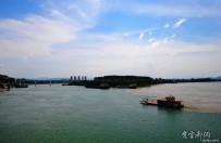长江、清江在湖北宜都交汇再现明显分界线